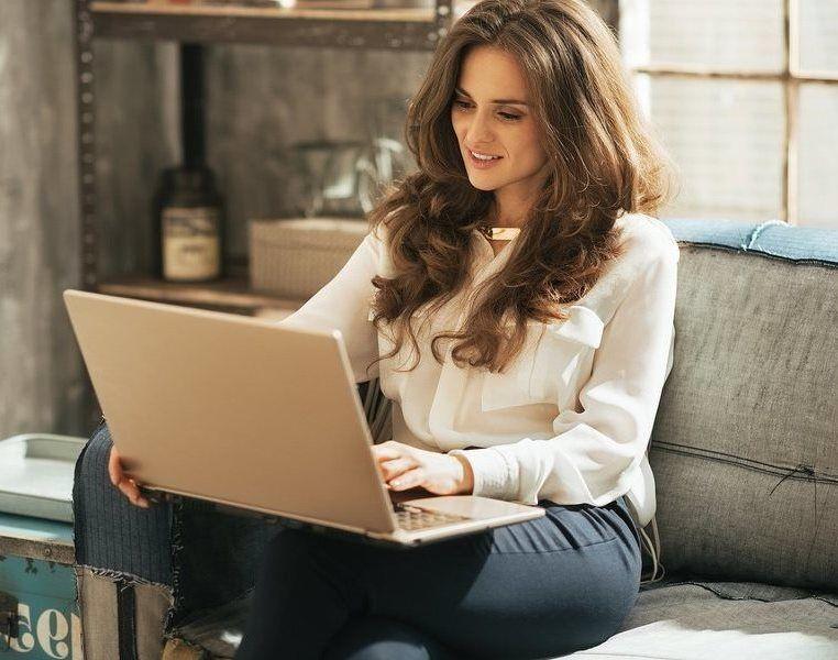 Топ 5 видео чатов для заработка веб моделью на дому
